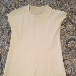 Lululemon Short Sleeve Perforated Top sm